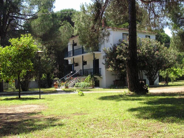 Strophilia Apartments || Situated 200 metres from Koukounaries beach, Strophilia offers self-catering accommodation set within a lush garden. Within walking distance, guests can find a super market, taverns and bars.