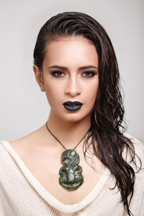 sahure:  Yasmin Bidois  A New Zealand model of French and Maori parentage, Bidois was apparently quite reluctant to go into modeling, according to this interview.