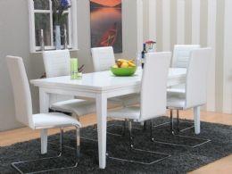 Venedig spisestue 95x180/276 inkl. 2 ileggsplater hvit med 6 hvite Ruth stoler. Usikker på stoffa i stolane, men veldig fint med ileggsplater!