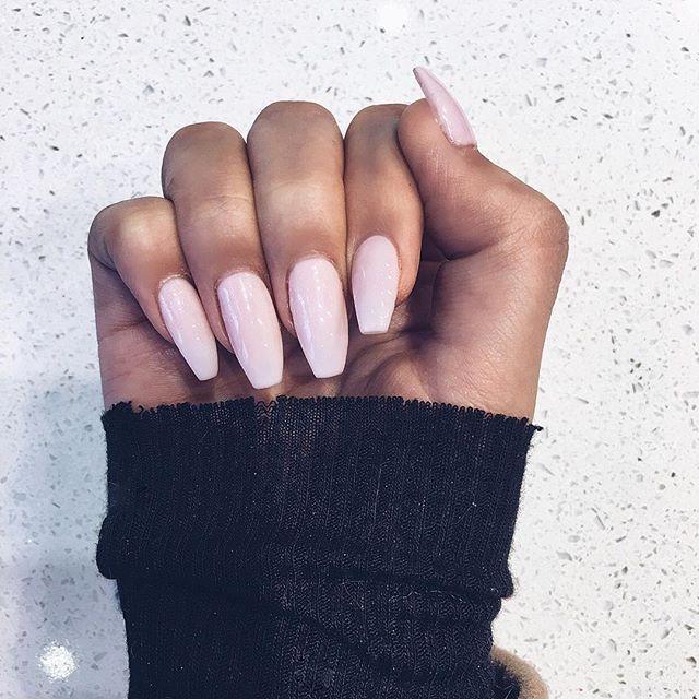 Nails done by @BlingNailStudio x @janicejoostemaa