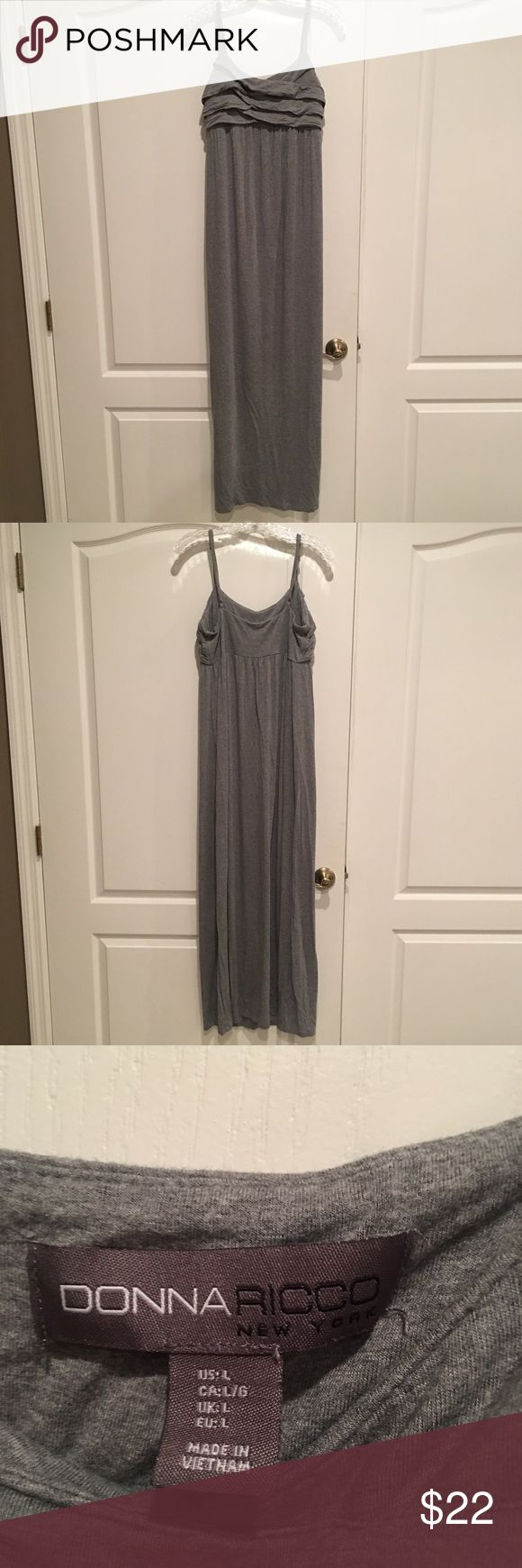 Donna Ricco Maxi Dress Super Comfy floor length Maxi. Nice thick stretchy fabric. Adjustable straps. Very flattering but I never seem to wear it. Donna Ricco Dresses Maxi