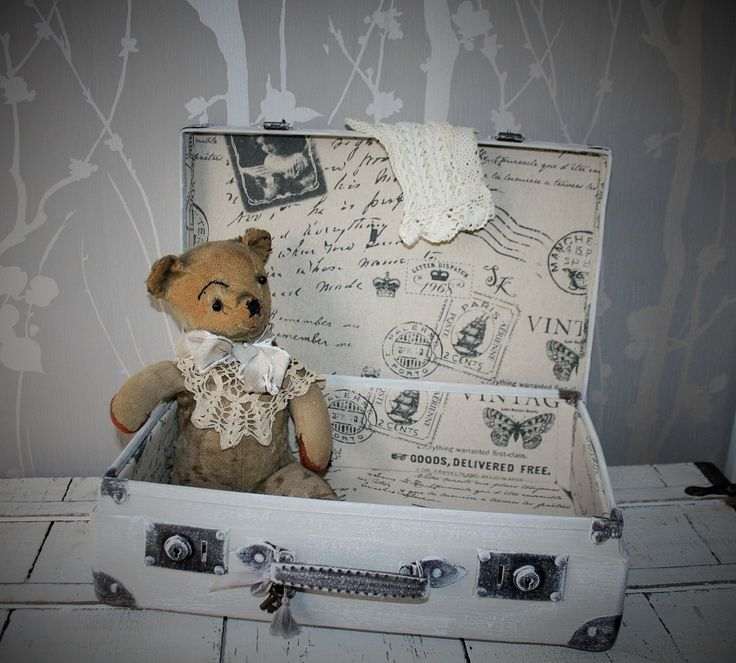 Ancienne valise en carton nostalgie du temps passé !!! réservé SANDRA : Boîtes, coffrets par la-cage-a-deco