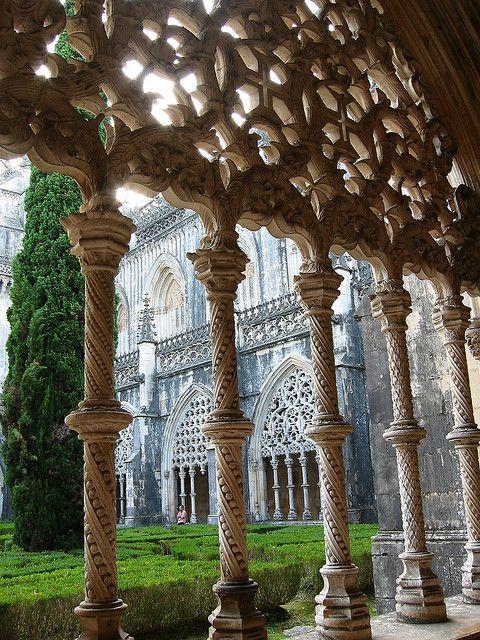 Mosteiro de Santa Maria da Vitória in Batalha, Portugal (by paula soler-moya).