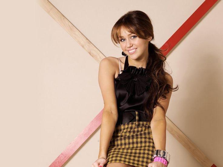 Miley Cyrus flashes bra in glamorous new photoshoot Mirror Online