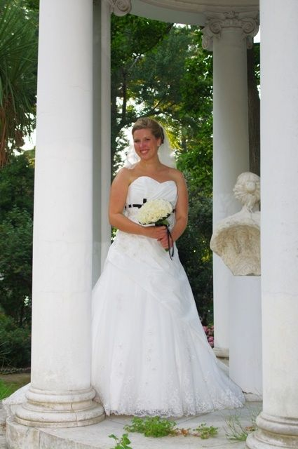 Lovely setting for a wedding photo shooting in Sorrento. Ask happybrides.net for more information!