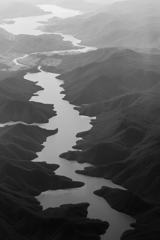 Black & white landscape photography; striking natural pattern & texture inspiration for design
