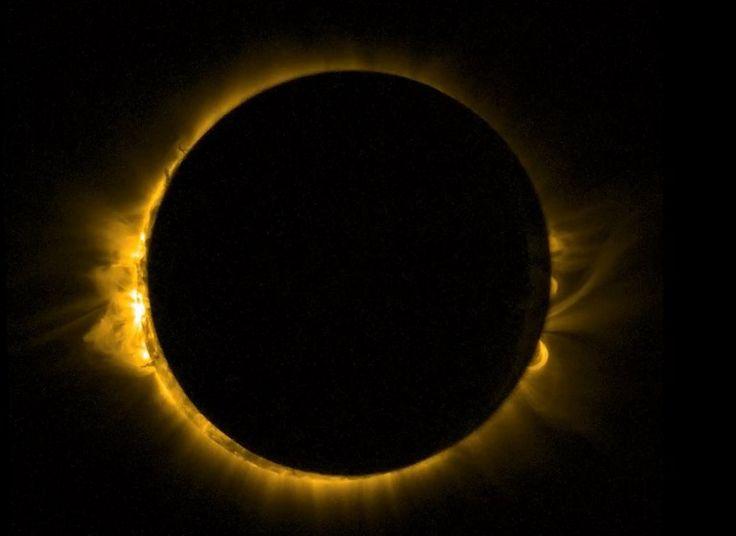 Indonesia, lista para eclipse de sol con turistas del mundo