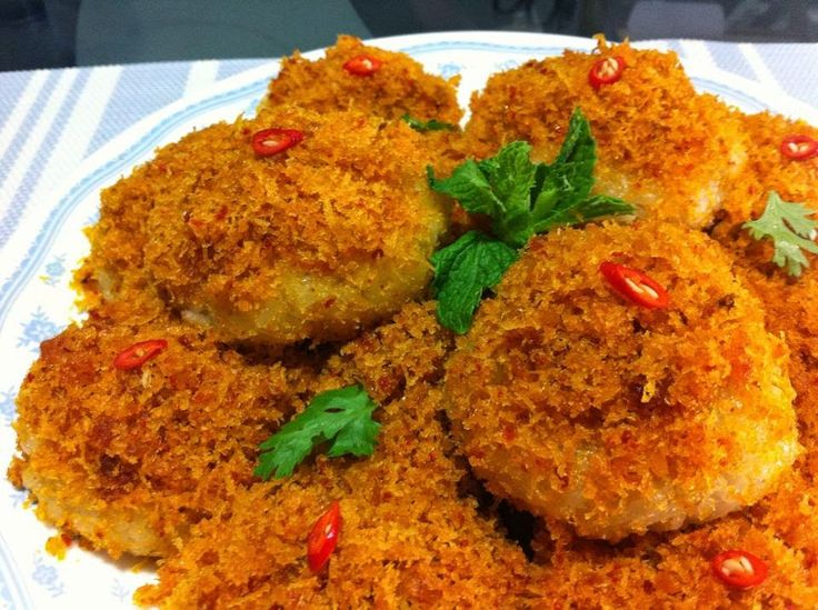 Baking's Corner: Steamed Glutinous Rice with Spicy Grated Coconut - Indonesian Ketan Serundeng