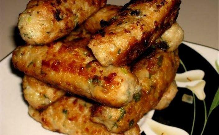 «Куриные пальчики» Ингредиенты: - куриный фарш - лук - чеснок - хлебные крошки - соль и перец - свежий базилик - лимонная цедра и сок половинки лимона -... - Страна кулинария - Google+