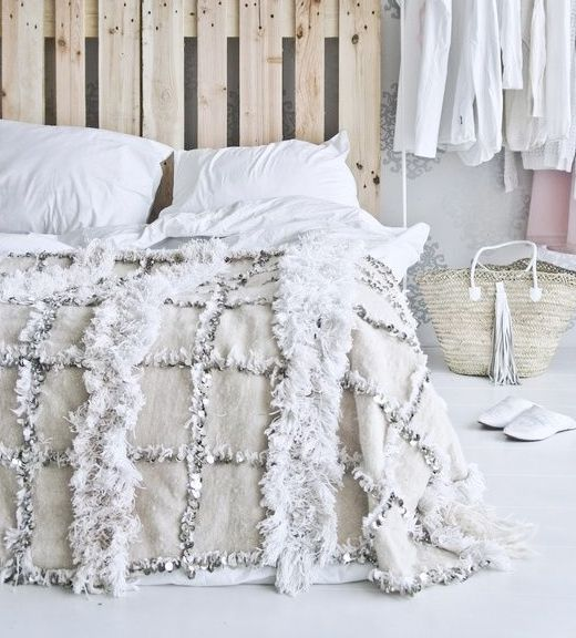 moroccan wedding blanket via fashionsquad.com