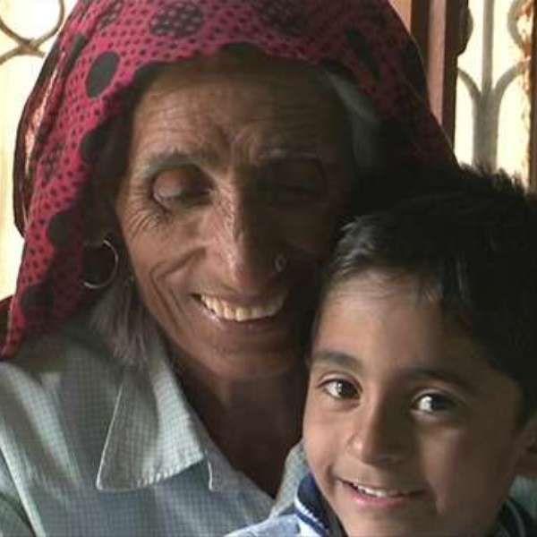 Pressão social faz indianas se tornarem mães aos 70 anos