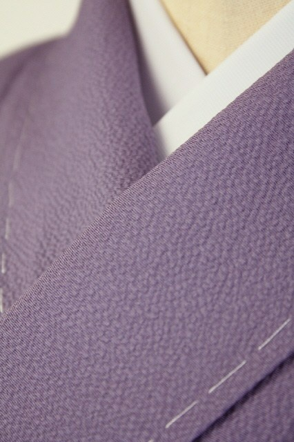 Purple Iromuji, Chirimen and One Crest / 二藍色縮緬地 一つ紋付色無地   #Kimono #Japan http://www.rakuten.co.jp/aiyama/