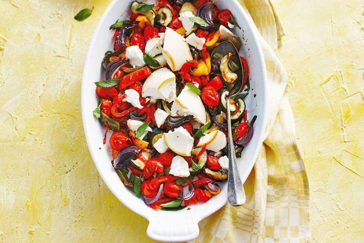Hoe de groenten hun lekkere smaak krijgen? Door de mix met oregano, balsamico én kaas - Recept - Allerhande