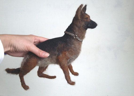 Erinnerung-Geschenk, Hund Denkmal, Custom Hund, Deutscher Schäferhund, Nadelfilz, gefilzt Hund, Sonderanfertigung, Custom Hund Skulptur, Hund-Geschenk-Idee