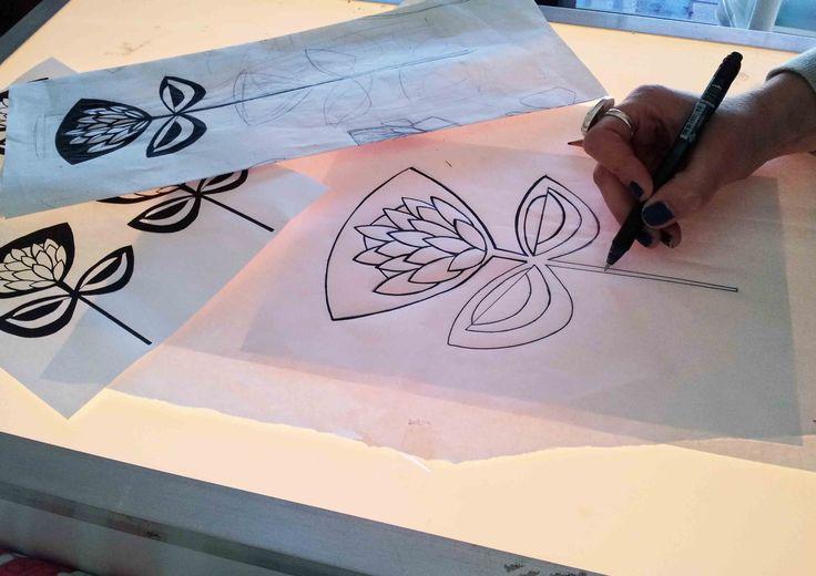 Suzie Qu King protea design
