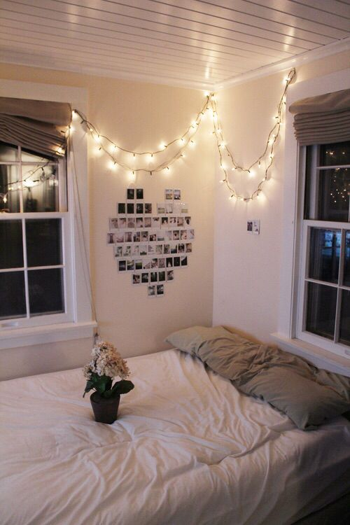 great idea for an apartment mattress on the floor nice and bright and add pics of your college year to a wall as the year goes on perfeccccct