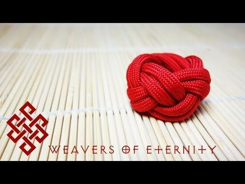 Paracord Woggle Tutorial (Turk's Head Knot).  His instructions are so easy that I, Tiffany, was able to make 2 woggles in under 10 minutes, having never done a turkshead knot before.  Love his videos!  (Weavers of Eternity Renaissance)