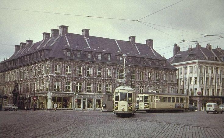 Vieille bourse lille ann es 50 architecture for Architecture annees 50