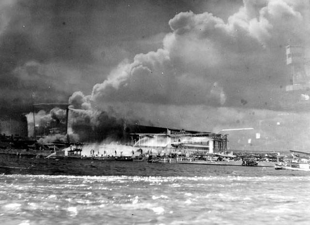 a history of the attack on pearl harbor oahu island hawaii Pearl harbor was the site of an event that changed not only the united states but the world december 7th, 1941 marks the fateful day the japanese launched a surprise attack on the unsuspecting base on the island of oahu.