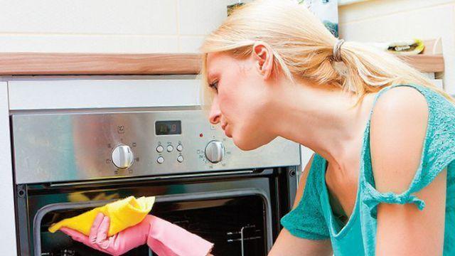 Ako vyčistiť zanesenú rúru? Tri jednoduché kroky a máte po probléme! | Casprezeny.sk