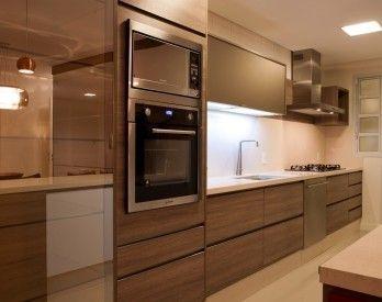 Cozinha planejada, torre de eletrodomésticos