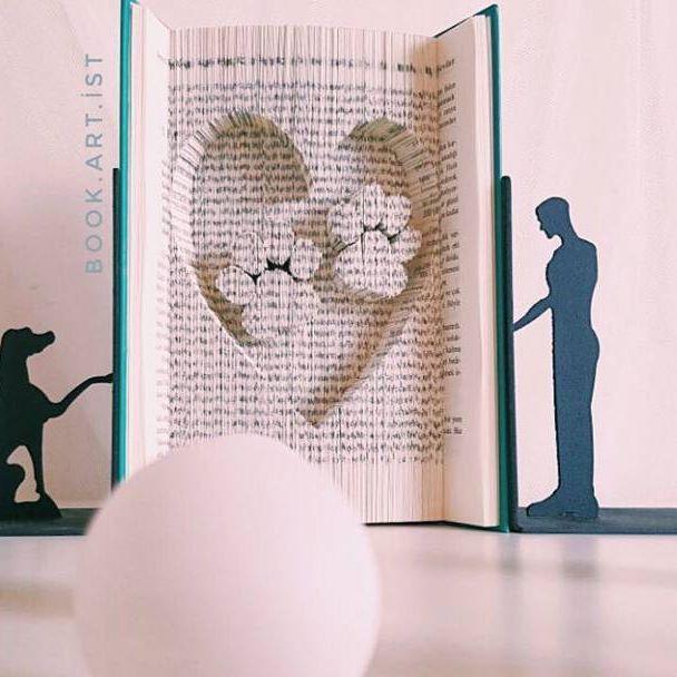 🐾🐾🐾 ✔Kişiye özel tasarımımız vardır. ✔Bilgi ve sipariş için Dm veya e-Mail atabilirsiniz. . . . #dog#pati#cat#pet#kitap#book#folding#katlama#kitapkatlama#bookfolding#bookshelf#booking#bookstore#kitapkokusu#kitapsevgisi#kitaplarheryerde#sanat#gorselsanat#gorselsanatlar#kisiyeozel#foldingpaper#tasarım#emek#kişiyeözel#hediye#gift#armağan#kutlama#süpriz#roman