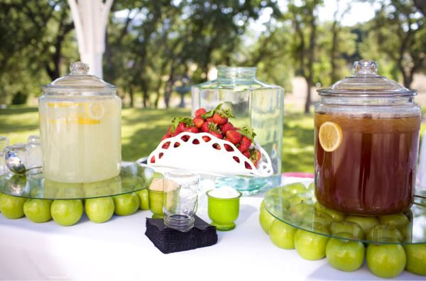 Love this for a summer party set up (On the cheap too!) So simple yet lovely.