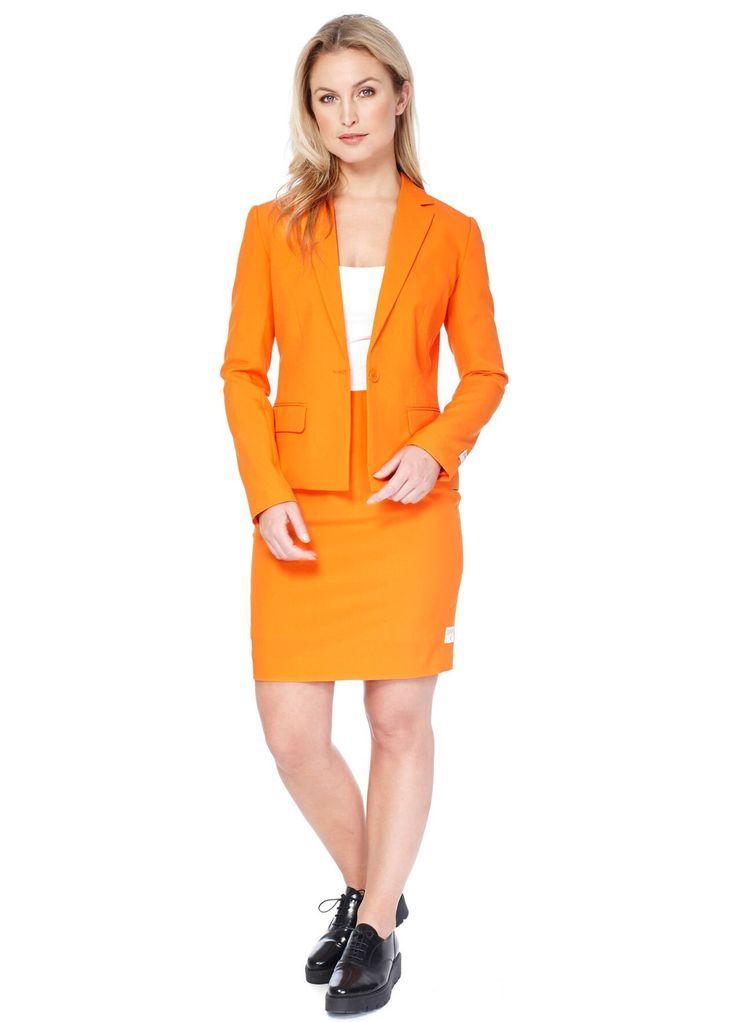 Costume Mrs. Orange femme Opposuits™ : Cet Opposuits™ orange pour femme se compose d'une veste et d'une jupe (haut et chaussures non inclus). L'ensemble du costume est fait dans un tissu épais orange. La veste,...