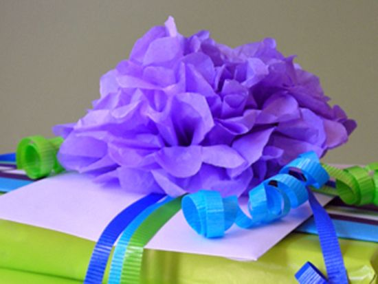how to make tissue paper flowers: Flowers Because, Giftwrap Emballagecadeau, Tissue Paper Flowers, Paper Flowers I, Gifts Wraps, Flowers Giftwrap, Flowers Pap, Tissue Flowers, Flowers Must