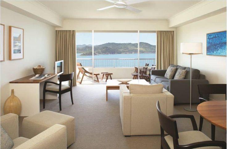 Hamilton Island Reef View Hotel - living room