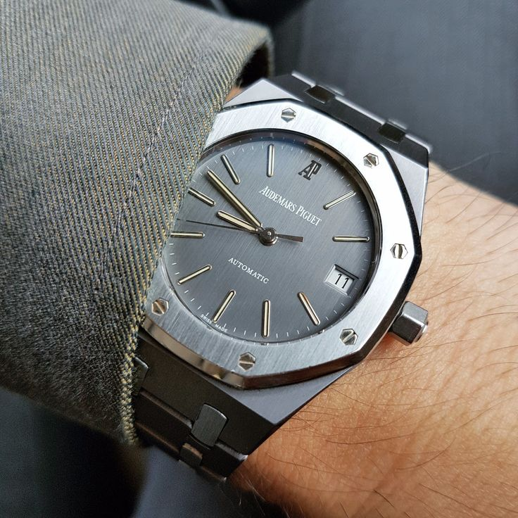 Audemars Piguet - Sharing a pic of rarely seen 2-tone Royal Oak 14790TT in tantalum/steel combo