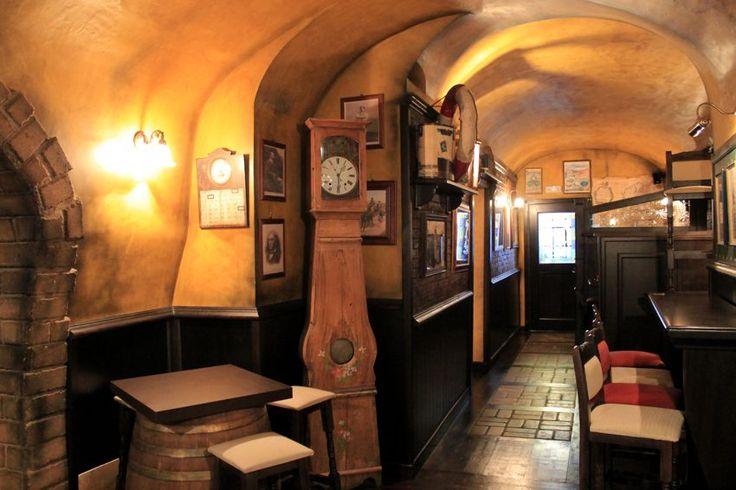 Pin di camproject srl arredo pub arredamenti irish for Arredamento per pub e birrerie