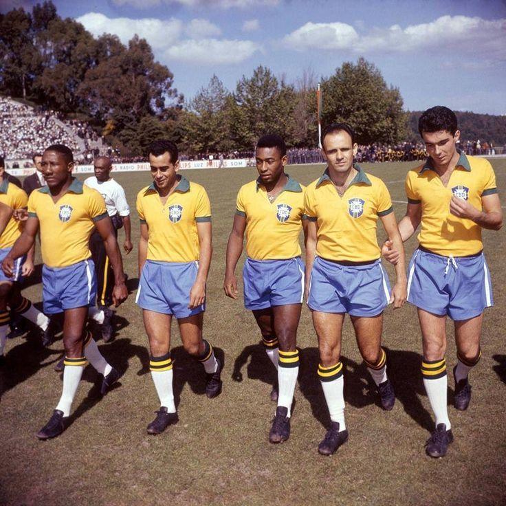 #Portugal 1-0 #Brazil a friendly match in April 1963.  #DjalmaSantos #Zito #Pelé #Pepe and #ClaudioDanni