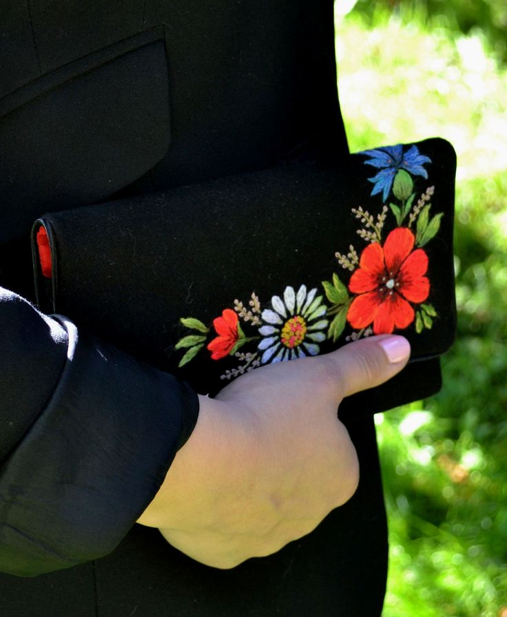 Embroidered theatre purse.