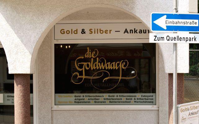 Sie wohnen in Frankfurt am Main oder Umgebung und möchten Ihr Gold und Silber verkaufen? Sie suchen einen seriösen Goldankauf in Ihrer Nähe? Kommen Sie zur Goldwaage in Bad Soden - Ihr zuverlässiger Partner in Sachen Goldankauf für Frankfurt am Main und das Rhein-Main-Gebiet.