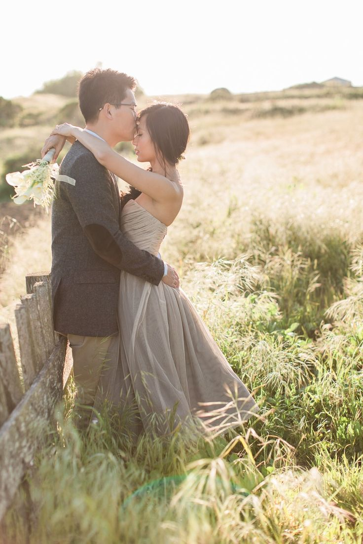 a romantic spring meadow engagement shoot  engagement