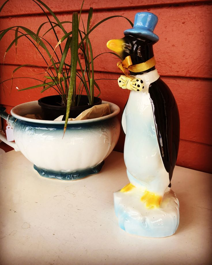 Vintage Italian ceramic Penguin decanter