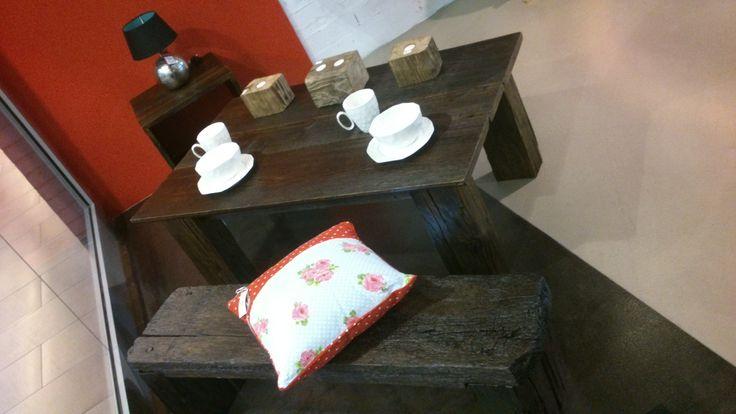 """Kolekcja """"Natural Wood"""": stół i ławka, do nabycia na www.h-design.pl"""