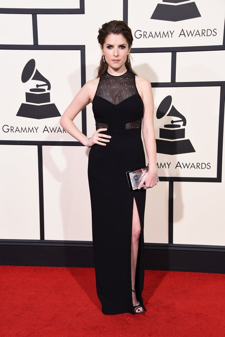 Pin for Later: Voilà Ce Que les Stars Ont Porté Sur le Tapis Rouge des Grammys Anna Kendrick