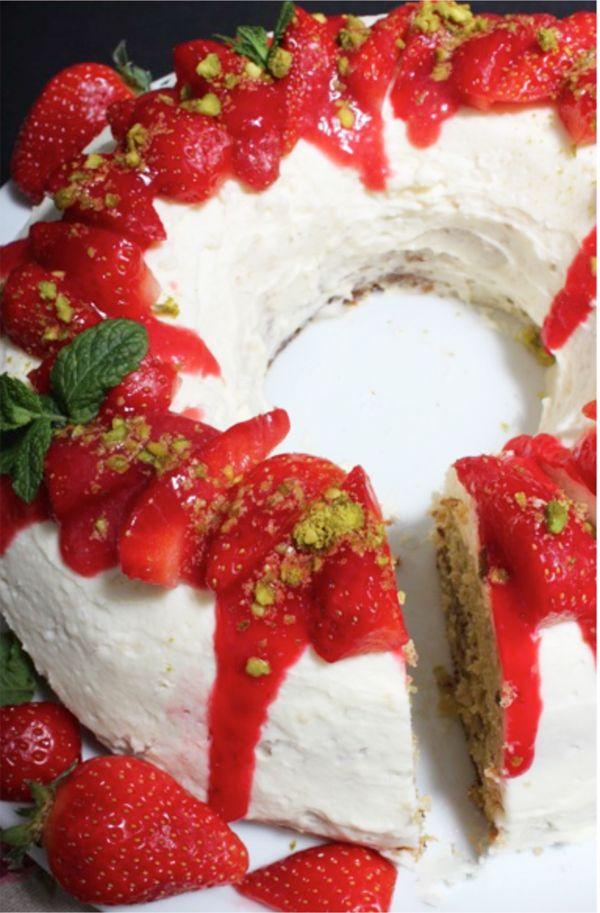 Erdbeer Pistazien Kranz Mit Ricotta Rezept Traumhaft Und Superlecker Mit Bildern Ricotta Rezepte Rezepte Pistazien Kuchen