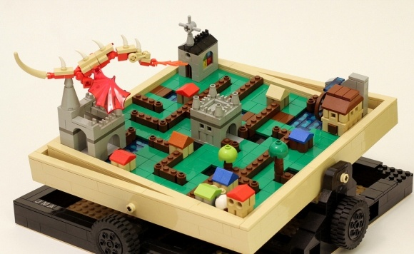 Lego labyrinth diy (via #spinpicks)