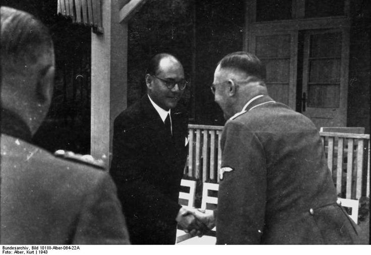 Subhash Chandra Bose and Heinrich Himmler, Germany, summer 1942, photo 5 of 5
