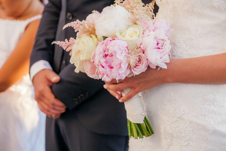 #bridalbouquet #DestinationWedding in #Faliraki #Rhodes   #GoldenAppleWeddings in Rhodes   Weddings in Rhodes