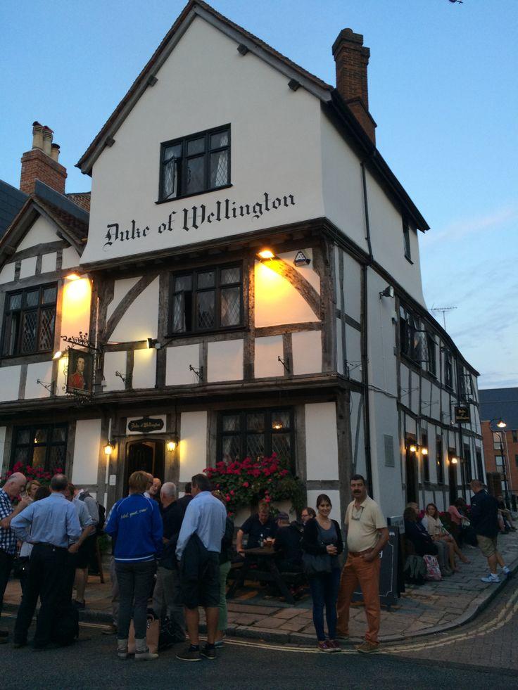 Pub at Southampton / September 2014