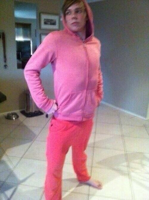 Oh ashton.... um um you know who you remind me here of.... Ryan off of High School Musical! ha:) xx