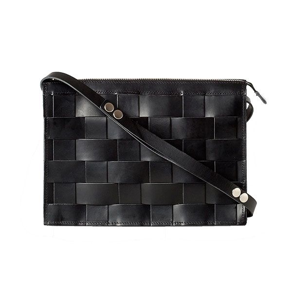 Eduards - Small Leather Shoulder Bag Black | ENIITO