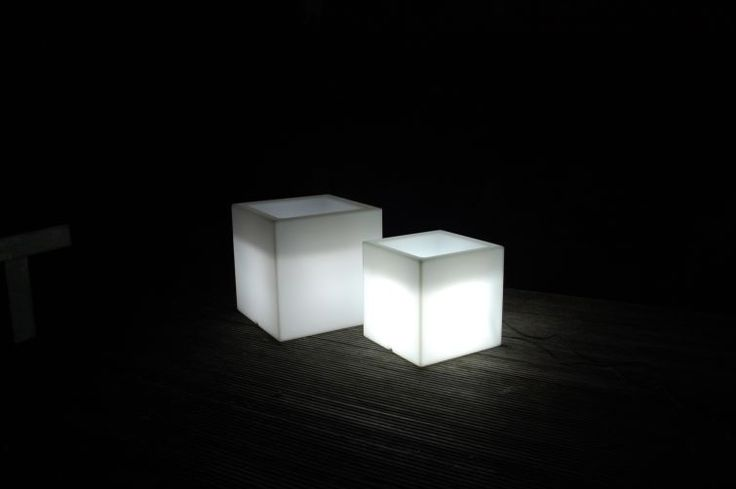 Ideal Pflanzk bel beleuchtet aus Kunststoff f r Gartenpartys und feiern Eine tolle LED Dekoration f r drau en Auch als Ensemble Kombination edel und s u
