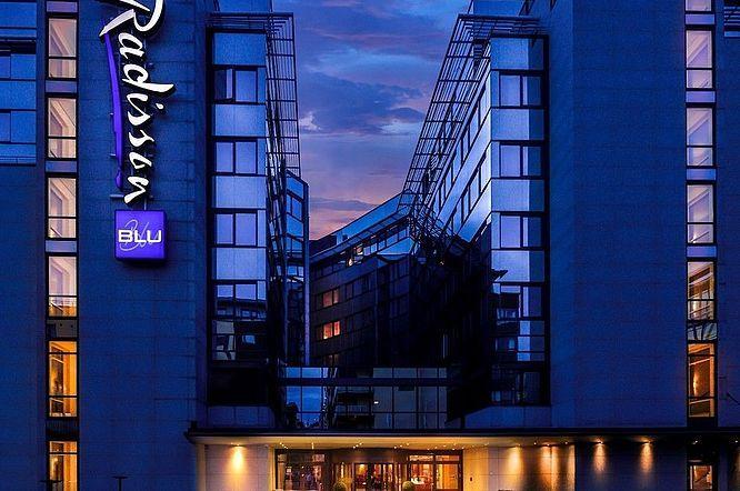 Radisson Blu Hotel, Nydalen, Oslo: gardiner til restaurant. http://kvintblendex.no/prosjekter/radisson-blu-hotel-nydalen-oslo/