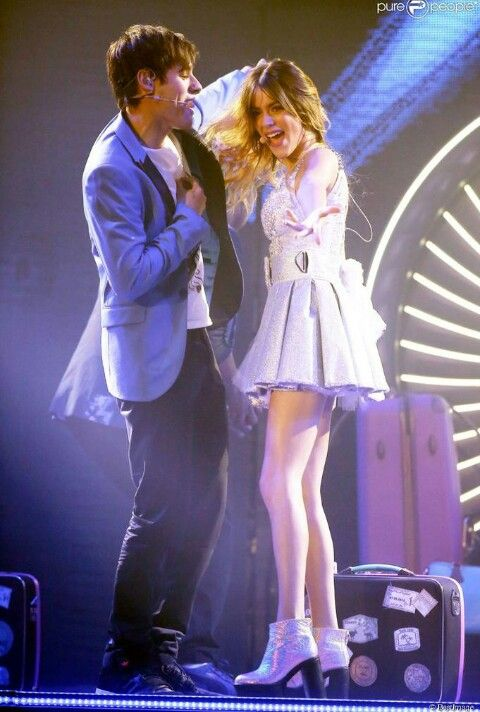 Tini Stoessel y Jorge Blanco en Violetta Live