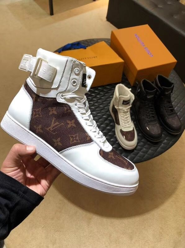 b561f9b7b4bd Louis Vuitton lv man shoes leather sport style sneakers trainers high tops